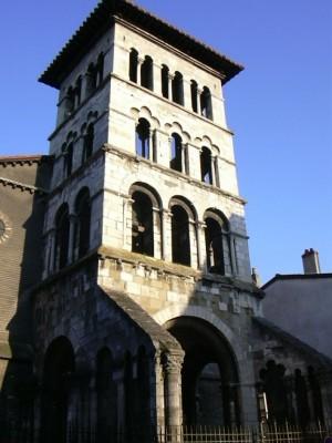 Vienne-Eglise St Pierre , tombeau de St Adon