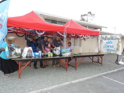 Installation des chapiteaux pour la réception des denrées alimentaires, dons et produits d'hygiène