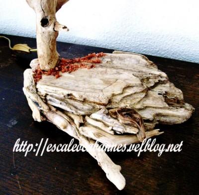 Lampe en bois flotté et cristaux de tartre - Pied-
