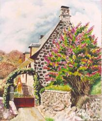 Maison auvergnate au lilas