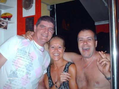 """le patron, Fred et son épouse Isa aux côtés de """"Grenouille"""