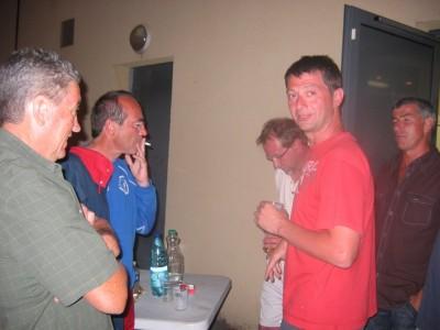 Gilles et Pascal à la buvette..