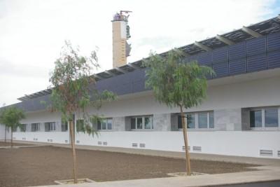 Batiment administratif d'expérimentation solaire chauffage, climatisation