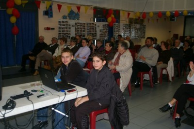 Jeunes aux commandes de l'informatique et de la vidéo