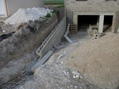 Construction de notre maison for Mur descente de garage