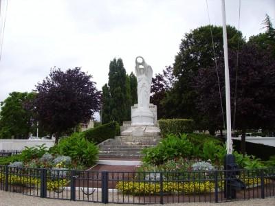 Monument aux morts au confluent