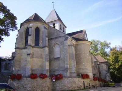 Eglise fortifiée de Evecquemont (13ème siècle)