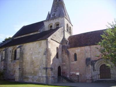 Eglise de Gaillon sur Montcient (12ème siècle)