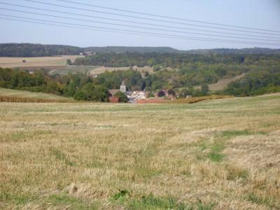 Oinville sur Montcient de loin