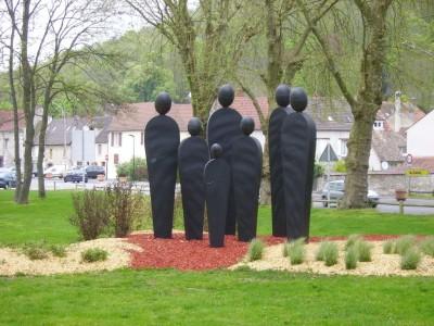 En partant de Vernon : sculture de l'autre côté de la Seine
