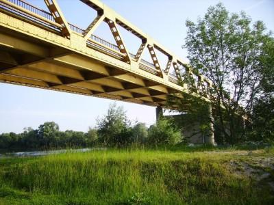 Pont entre Courcelles sur Seine et Aubevoye
