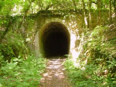 Entrée du tunnel de l'ancienne voie ferrée