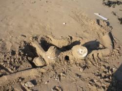 Oui, notre château de sable à la parabole.