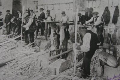 Les ouvriers de l'usine Massot en 1900