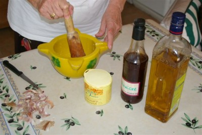 préparatif de l'aïoli