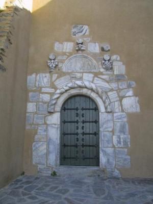 Porte des processions à N D du Château