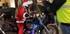 Le Père Noël est ... un mota