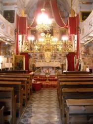 Intérieur de la chapelle des pénitents noirs.