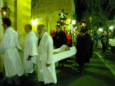 Entrée du gisant en l'église saint Michel.