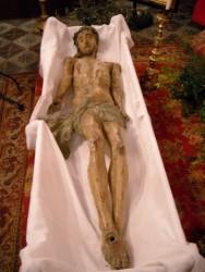 Le gisant daté du XVII°.