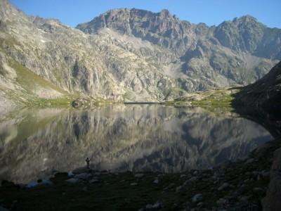 Lacs de haute altitude, pêche ouverte jusqu'en septembre.