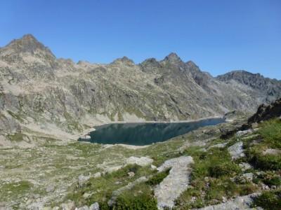 Passer la baisse et descendre sur le Lac Basto