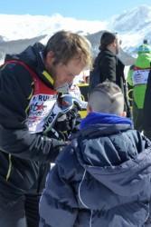 Peter Runggaldier et un jeune fan.