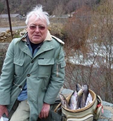 Gabriel Peltier et son joli panier de pêche.