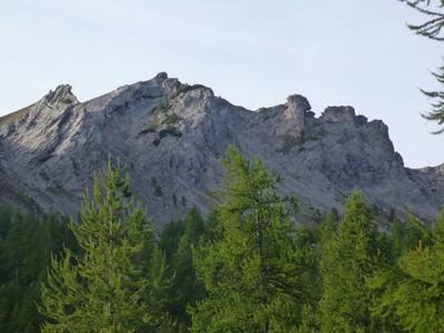 Vue sur les falaises surplombant Fontanalbe