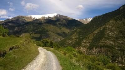 ...et vue dégagée sur les monts alentours (Le mont Bertrand enneigé)