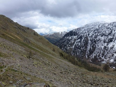 Passer la Pointe de Valmasque et se retourner vers la vallée...