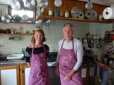 Michel en cuisine avec Manon, présente en Juin et Septembre