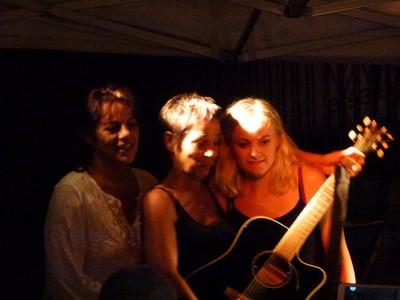 Sonia, Tania, Charlie.