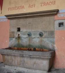 Fontaine de la place du Traou.