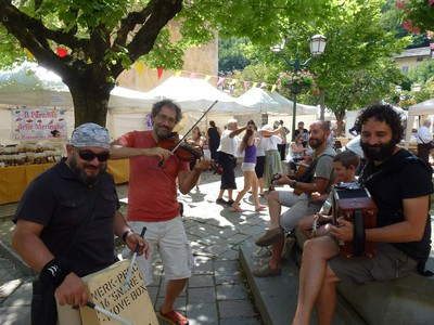 Des musiciens dans les rues