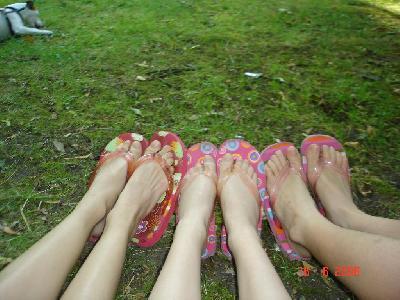 nos petits pieds!!